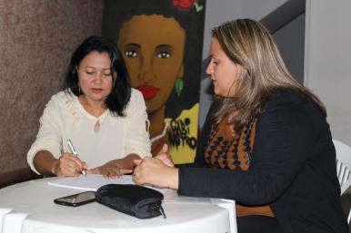 reuniao-escritores-edmea-ubirajara-140217-4